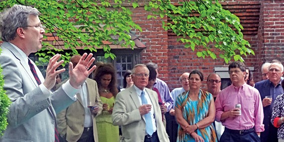 City council budget chairman Jim Strickland was the beneficiary last week of a wellattended fund-raiser at the Midtown home of hardwood entrepreneur Bill Courtney, who gained fame as the Manassas High School football coach in the 2011 Academy Award-winning documentary Undefeated.
