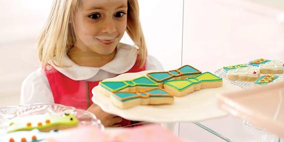 food_littlegirlatcookiecase-w-mag.jpg