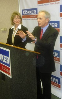 Corker and wife Elizabeth at Memphis stop - J.B.