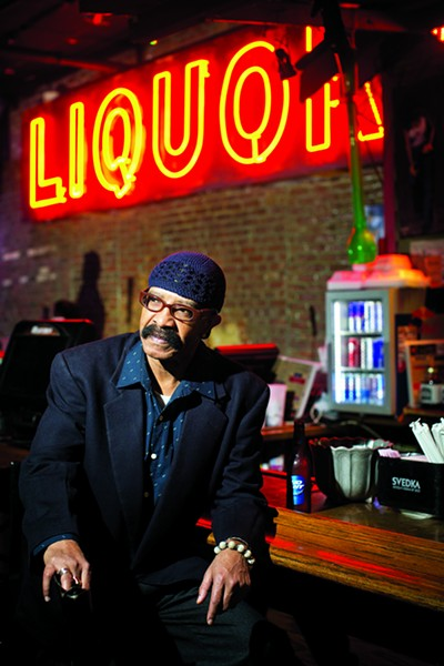 Dennis Graham hanging out at Blues City Cafe on Beale - JUSTIN FOX BURKS