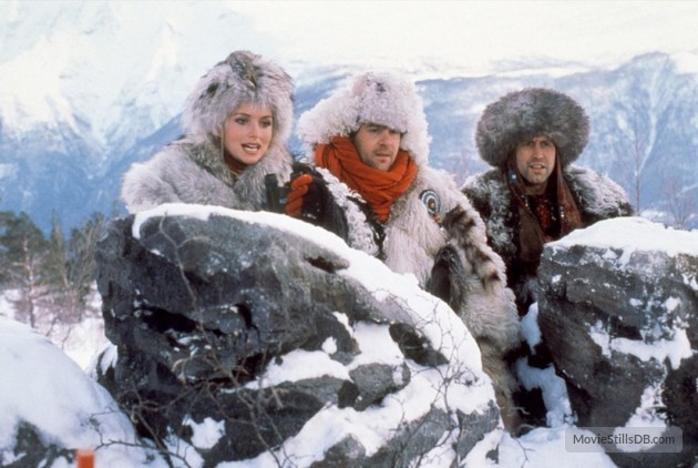 Donna Dixon, Dan Ackroyd, and Chevy Chase in Spies Like Us.