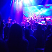 """""""Making Electricity"""": 10 Shots from MGMT at The Orpheum During """"Siberian Breaks"""" Amanda Chiles"""