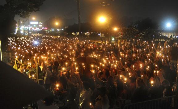 candlelight_elvis.jpg
