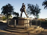 statue1024.jpg