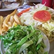 Lunch at Dejavu