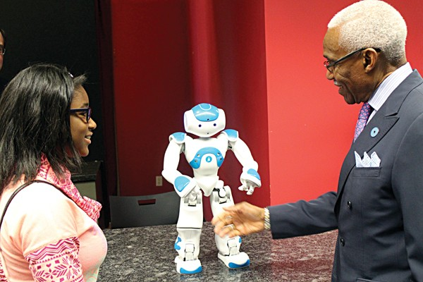 Mayor A C Wharton and a teen at the learning lab announcement - STEPHANIE WHITE