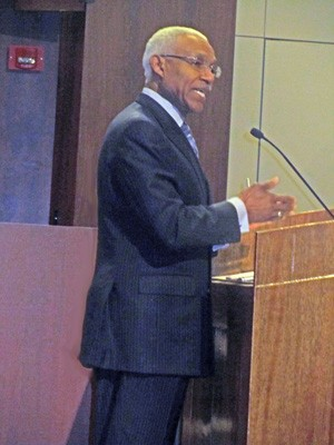 Mayor Wharton addresses the Council before Thursday nights vote.