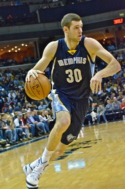 Noted dunk enthusiast Jon Leuer continued his reign as the Grizzlies' best (current) dunker on the team's three game road trip. - LARRY KUZNIEWSKI