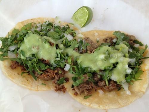 Pastor and chorizo tacos at Tacos Los Jarochos