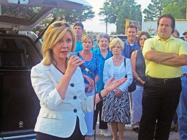 Rep. Blackburn addressing TeaParty crowd - JB