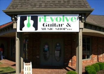 Revolve Guitars and Music Opens in Bartlett