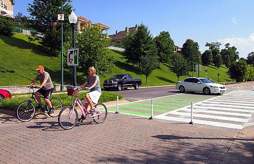 Riverside Drive bike lane