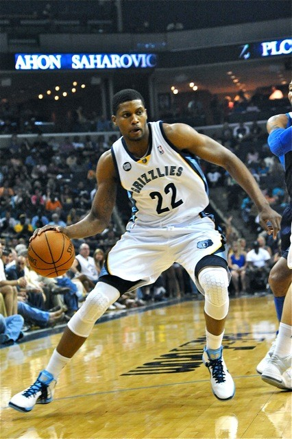 Rudy Gay had a major bounce-back game against the Mavericks.