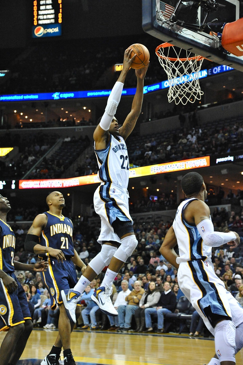 Rudy Gay went large against the Thunder.