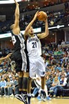 Tayshaun Prince's early excellence helped the Grizzlies stick around.