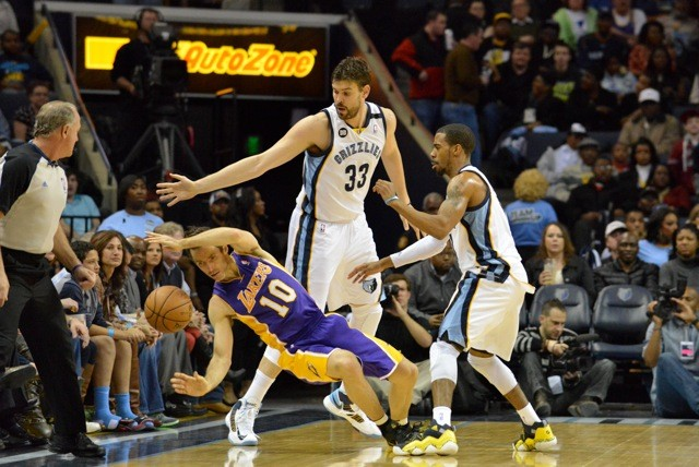 The Grizzlies pushed the Lakers around.