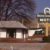 The Silver Horseshoe Motel - Summer Avenue
