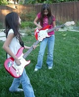 The Strat-O-Sisters rule!