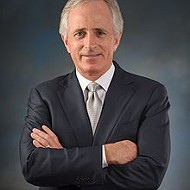 Corker Among Senators to Introduce Law to Keep Families Together
