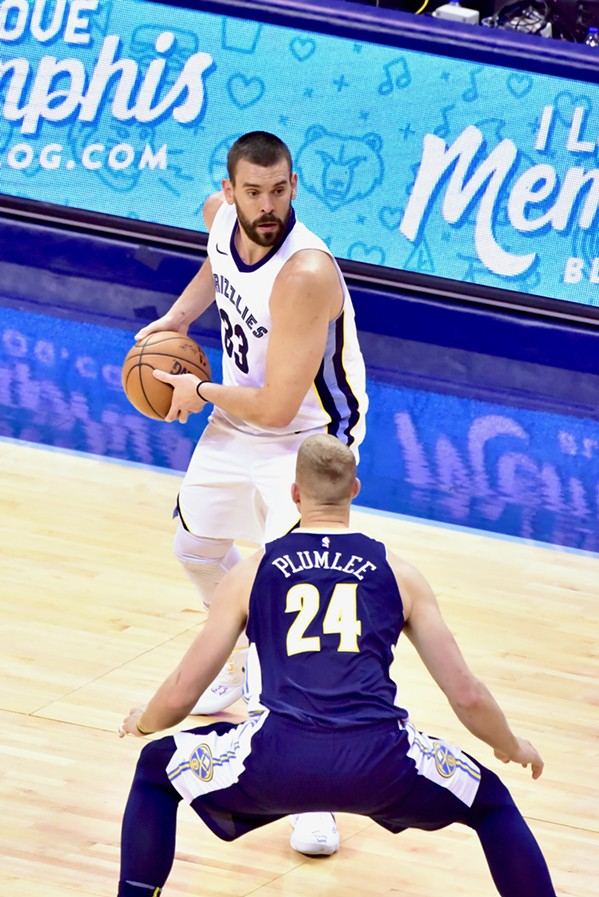 Gasol had his way with whichever Plumlee this is. - LARRY KUZNIEWSKI