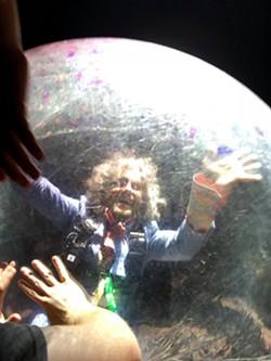 Burks' Close Encounter of the Bubble Kind - GRAHAM BURKS