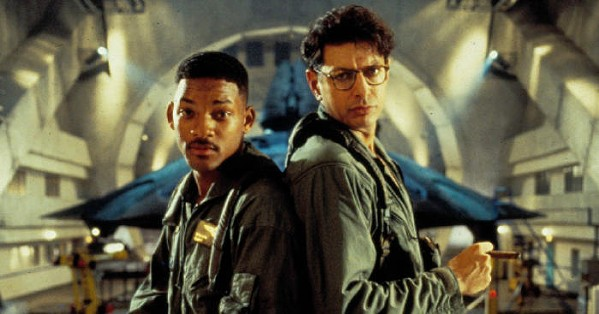 Will Smith and Jeff Goldblum battle aliens in Independence Day.