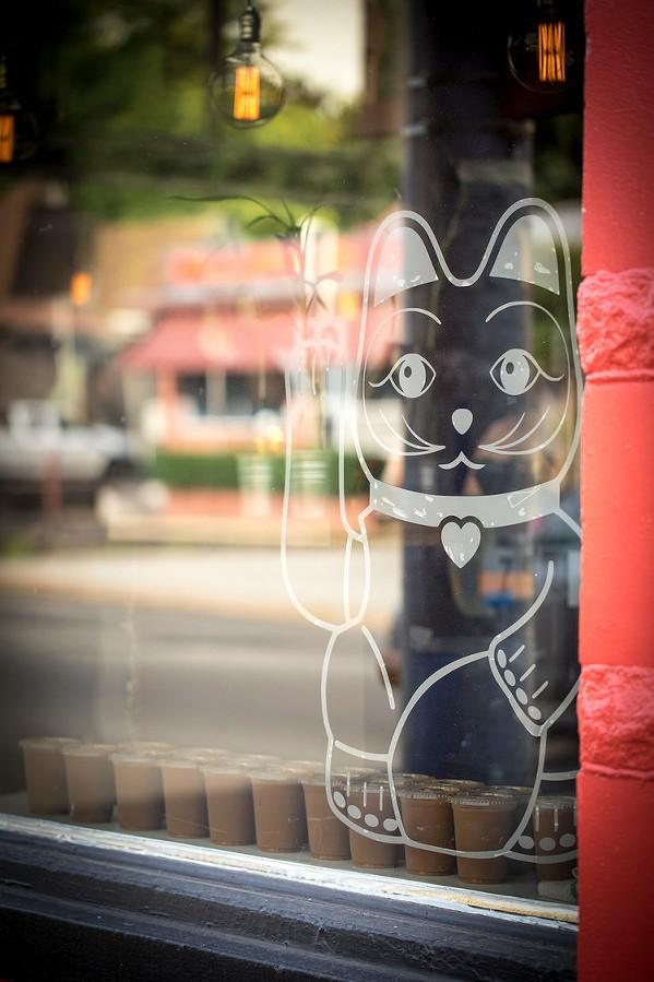 lucky_cat_3.jpg