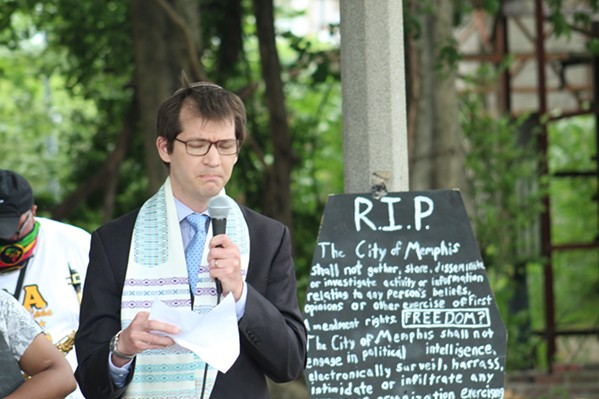 Rabbi Jeremy Simons of Temple Israel spoke about mourning - MAYA SMITH