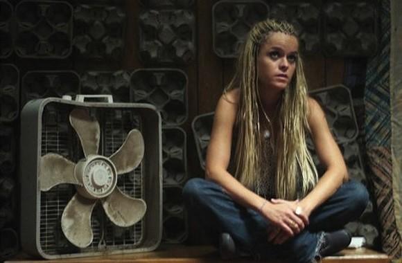 Taryn Manning as Nola