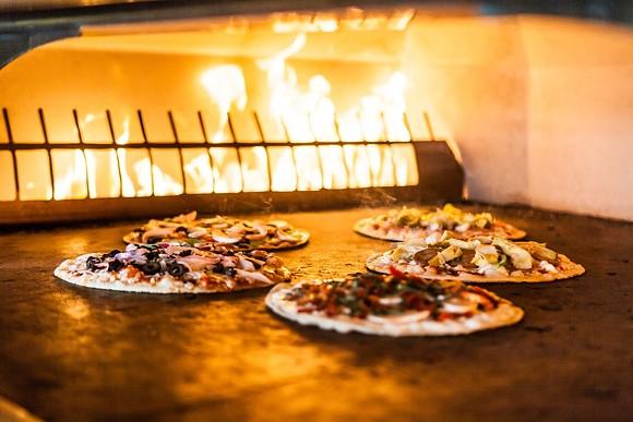 pizza_rev_oven.jpg