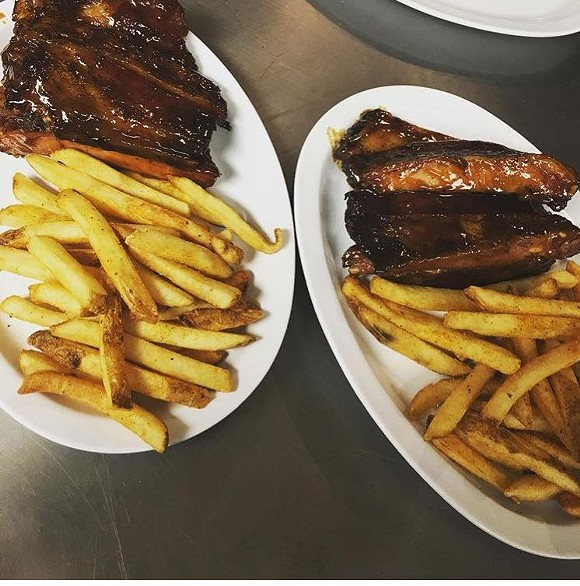 ribs_fries.jpg