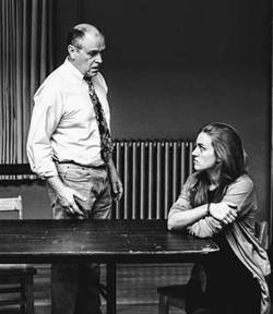 Ray and Una (Tony Isbell,  Fiona Battersby).