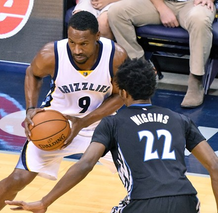 Tony Allen was injured in the Grizzlies' final regular season game. - LARRY KUZNIEWSKI