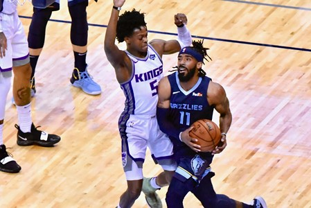 Grizzlies Defeat Kings 112-104