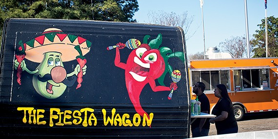 food_putput_foodtruckpark_w5a6082-mag.jpg