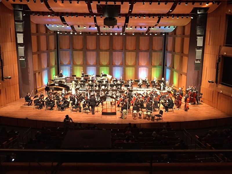 The MSO prepares to introduce guest Senegalese drummers - SAM SHOUP