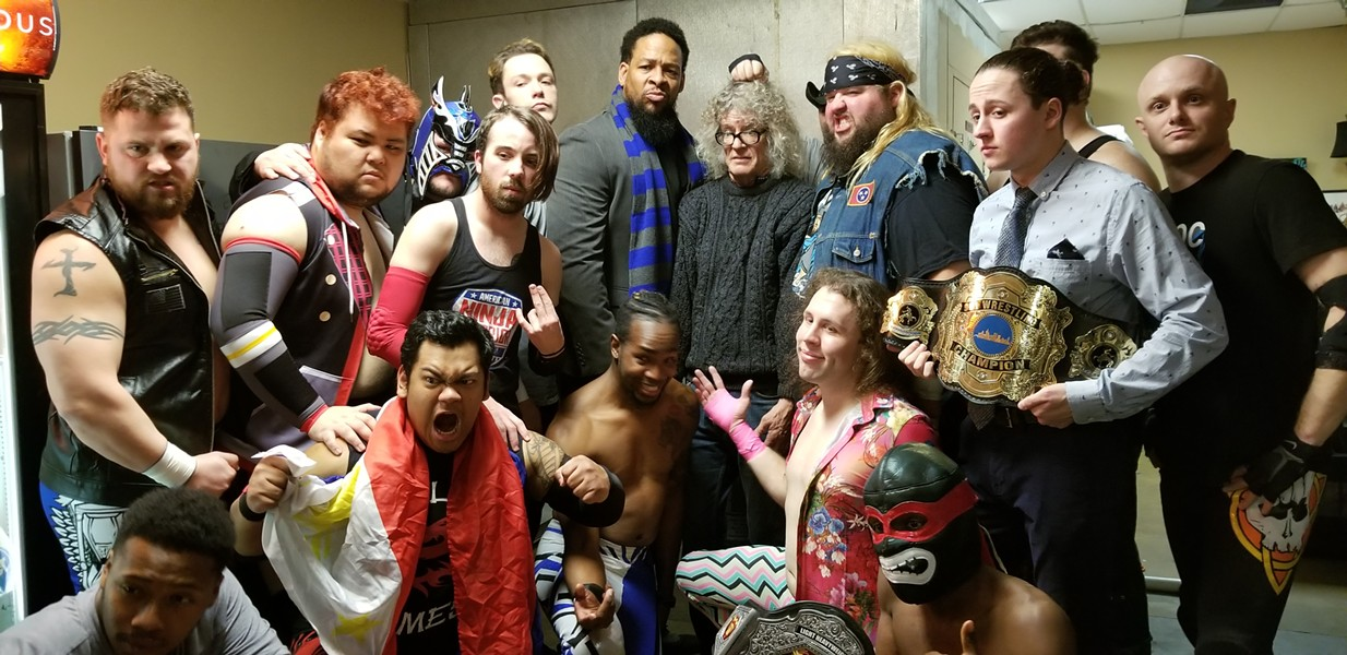 I know it's hard to find me, but here I am with the 901 Wrestling wreslters at the Rec Room.