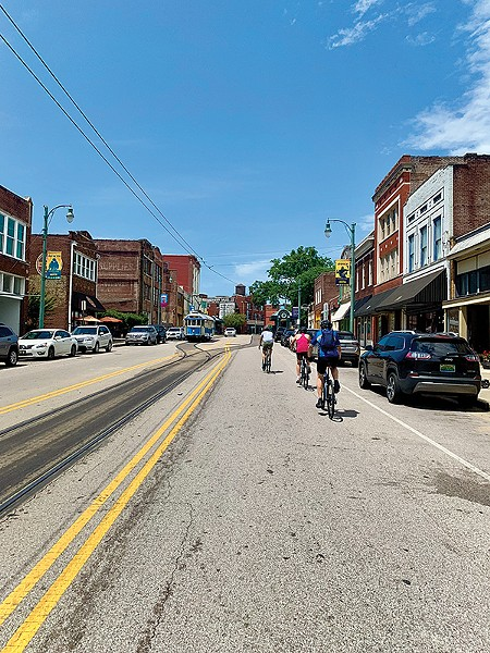 Beer, bikes, and Bluff City history buffs