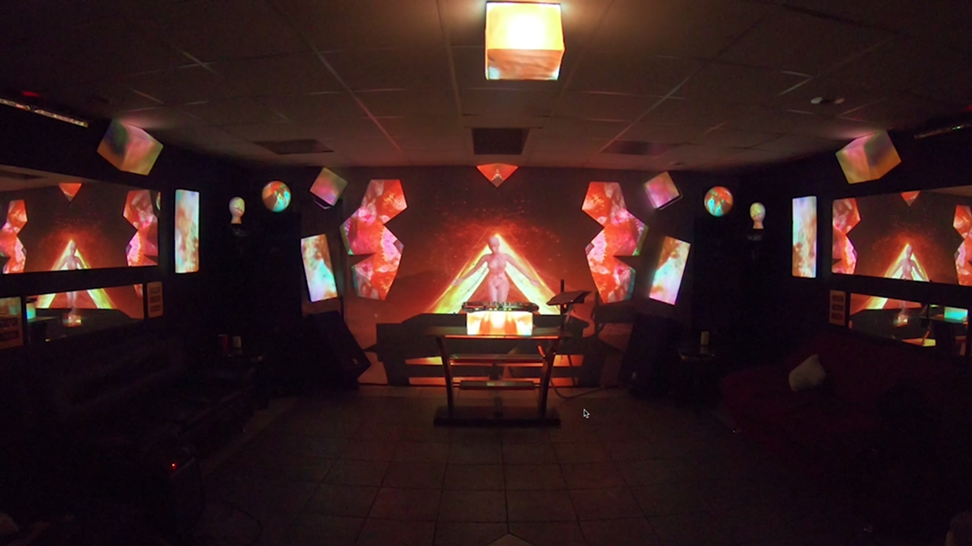 3D projection mapping installation and holograms - JACOB PLATANIA