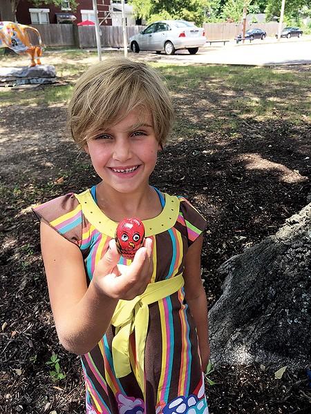 Zoie Dawson shows off a 901 Rocks! creation. - 901 ROCKS!