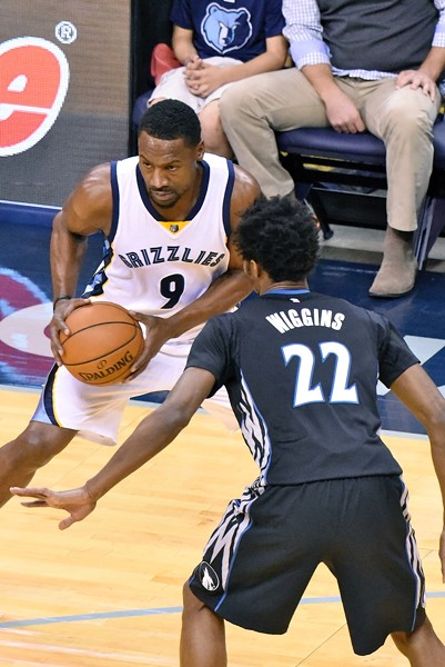 Tony Allen was injured in the Grizzlies' final regular season game. - LARRY KUZNIEWSKI