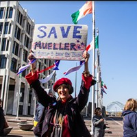 Hundreds Rally to Save Mueller Inquiry