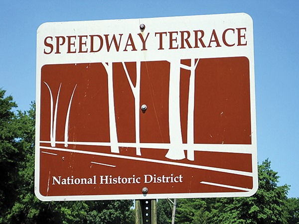 flyby_speedway_terrace_memphis_tn_02_faxon_ave_sign.jpg