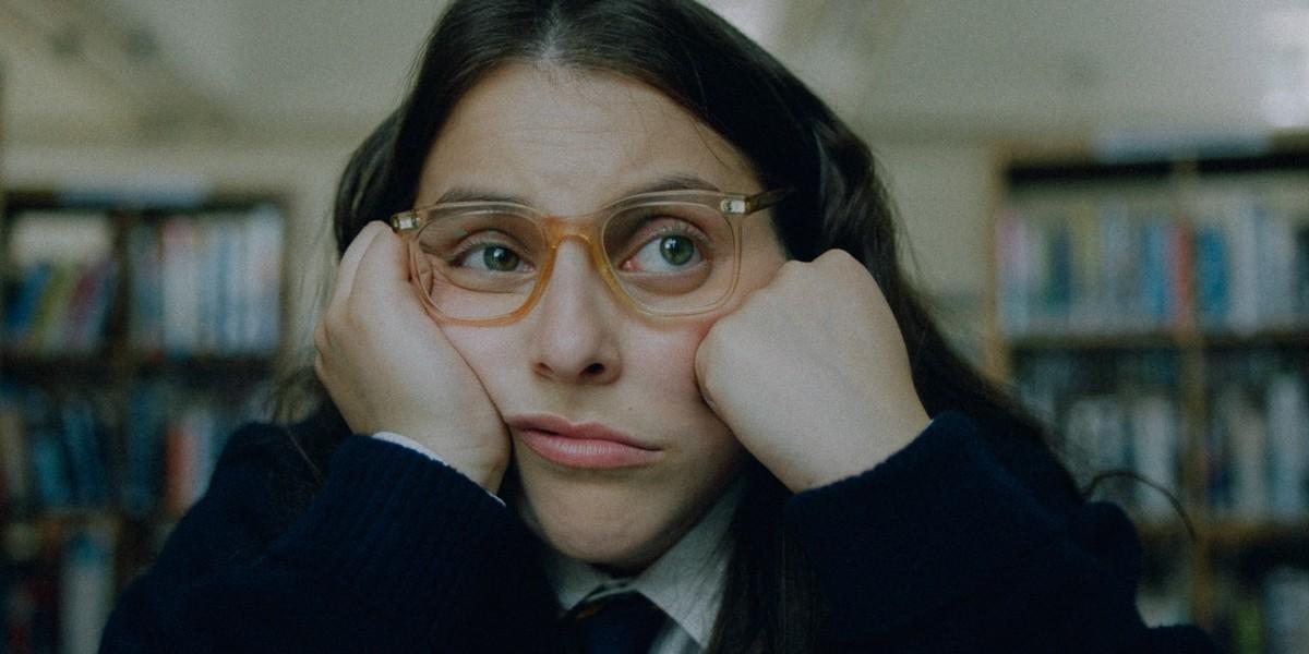 Beanie Feldstien as Johanna Morrigan in How To Build A Girl.