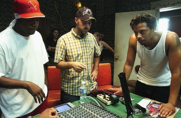 Al Kapone, Craig Brewer, and Terrence Howard on the set of Hustle & Flow