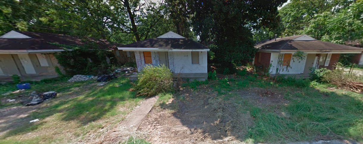 Boarded-up houses now inhabit the site where OUTMemphis wants to build a homeless shelter for LGBT youths. - GOOGLE MAPS