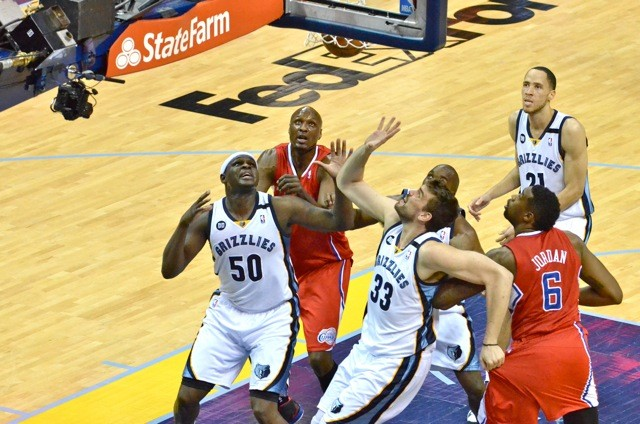 Zach Randolph and Marc Gasol tag-teamed the Clippers to lead the Grizzlies to their first win in the series..