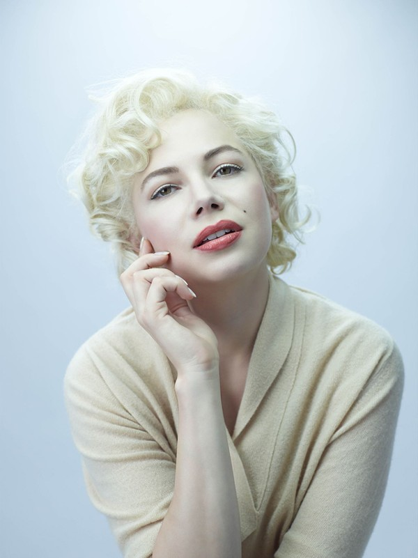 >From one hottie to another: Michelle Williams as