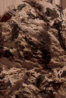 Local ice cream shop debuts new flavor, Michigan Pot Hole