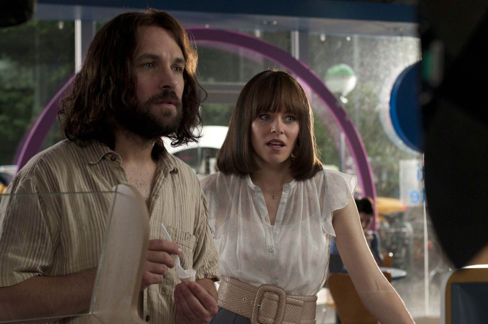 Paul Rudd and Elizabeth Banks are Ned and Miranda in Our - Idiot Brother.